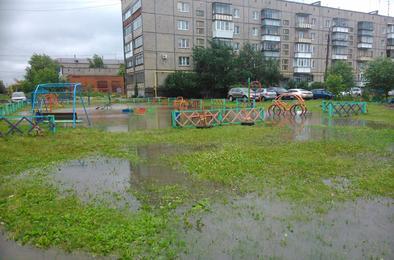 В Коркино устраняют последствия циклона