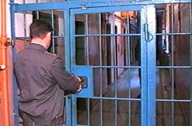 В Коркино полиция проверяет мужчину