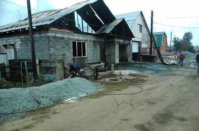 В Коркино загорелся новый дом