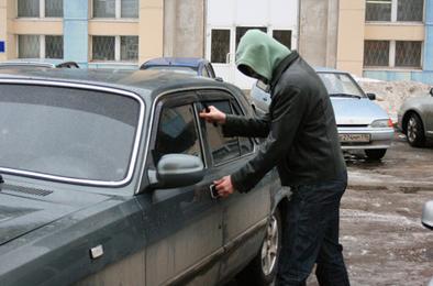 В Коркино автовор вскрыл четыре машины