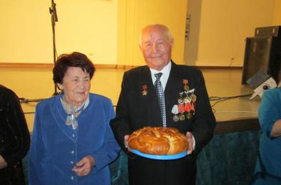 «Золотой» бал для семейных долгожителей