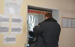 Житель Коркино среди бела дня ограбил магазин