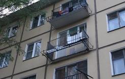 В Коркино с балкона третьего этажа упал ребёнок