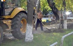 На улице Цвиллинга начался ремонт тротуаров