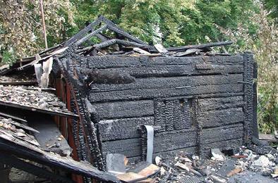В Коркино загорелся дом на Луговой