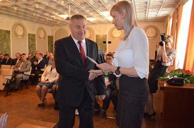 В Коркино вновь избранные депутаты получили удостоверения
