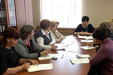 Общественники посетили коркинский МФЦ