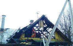 На Розе горел частный дом