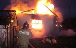 В Коркино сгорел садовый домик