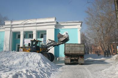 ЧУК помогает  с уборкой снега