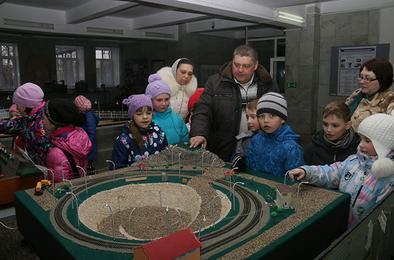 Школьники побывали на разрезе «Коркинский»