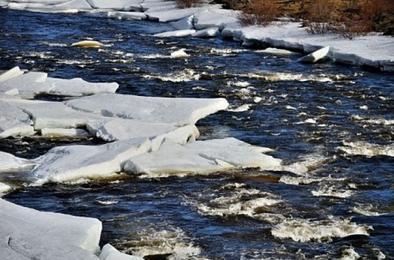 Южноуральцев предупреждают о возможном повышении уровня рек и водоёмов