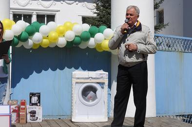 На Первомай – подарки от угольщиков Коркино