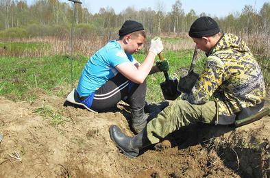 Коркинские школьники участвовали в поиске погибших солдат