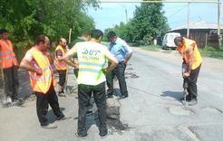 В Коркино приступили к ямочному ремонту дорог