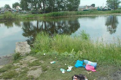 Рейд по коркинским водоёмам показал: кто купается, а кто стирает и моет машины