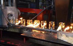 Сегодня на Коркинском стеклотарном заводе загорелась подстанция