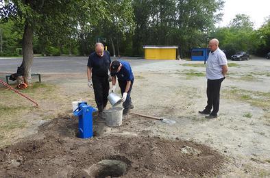 Угольщики Коркино продолжают благоустраивать парк
