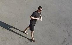 Полицейские Коркино разыскивают мужчину, ограбившего инвалида