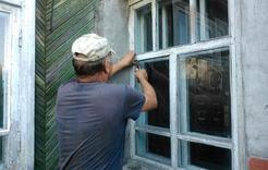 В Коркино пожилой женщине помогли попасть домой
