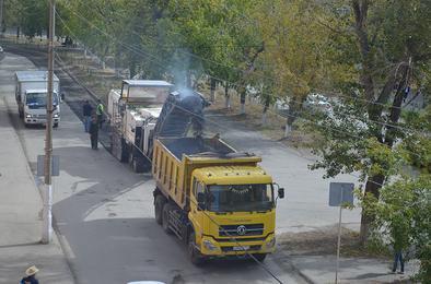 В Коркино начался ремонт дороги на улице Цвиллинга