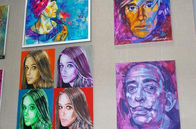 В выставочном зале Коркино – портреты великих