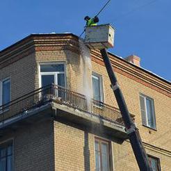 Управляющие организации Коркино чистят крыши