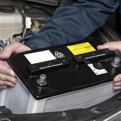 У коркинских автовладельцев с машин снимают аккумуляторы