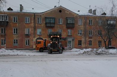 С улиц Коркино коммунальщики вывозят снег