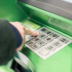 Почти ста тысяч рублей лишился житель Коркино из-за мошенников