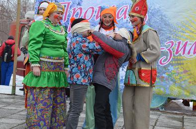 Сегодня началось празднование русской Масленицы