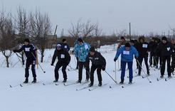 Коркинские студенты простились с зимой на лыжне