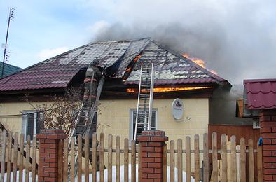 В понедельник в Коркино горели дома, автомобиль и сараи