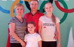 Школьники Коркино сдают ГТО вместе с родителями
