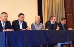 Дмитрий Гатов и специалисты ответили на вопросы коркинцев