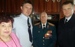Полицейские Коркино поздравили ветеранов с Днём Победы