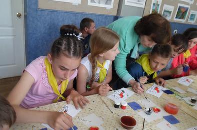 Выставочный зал Коркино проводит для детей мастер-классы