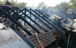 В Коркинском районе горели управляющая компания и частный дом