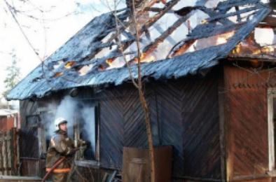 В Коркино горели постройки, в Первомайском – садовый дом