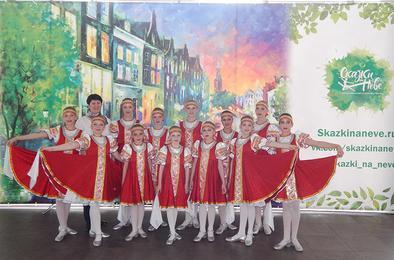 Коркинский коллектив «Детство» успешно выступил в Питере