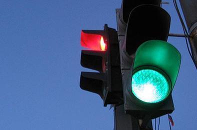 В Коркино ремонтируются светофорные объекты