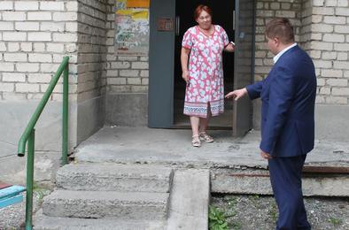 Коммунальный омбудсмен побывал на Розе