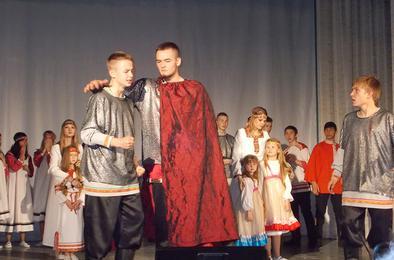 Коркинский ансамбль «Коктейль» отметил юбилей рок-мюзиклом