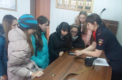 Школьники Коркино выберут работу в полиции