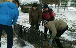 В Коркино мемориал жертвам репрессий под опекой подростков