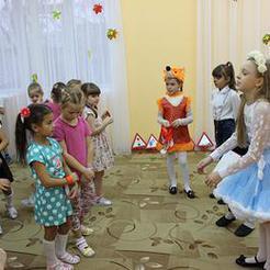 Школьники Коркино учат детсадовцев правилам дорожного движения