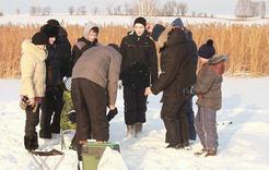 Коркинских ребят свозили на зимнюю рыбалку