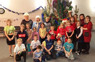 Полицейский Дед Мороз поздравил коркинских ребятишек