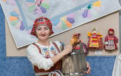 В выставочном зале Коркино – масштабная выставка работ Надежды Шитяковой