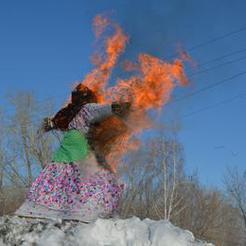 Сегодня в парке имени Федько коркинцы проводили зиму